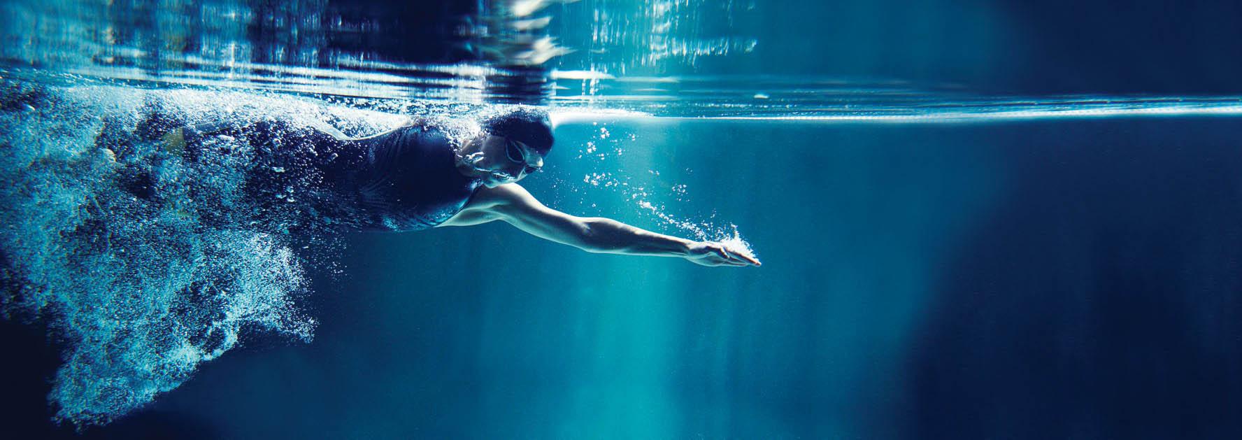 stratford_apartments_swimming